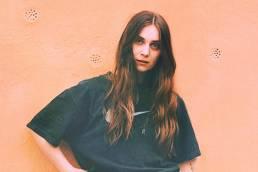 listen-under the sun-by-linn koch emmery-indie music-indie-sweden-new music-indie rock-music blog-indie blog-wolf in a suit-wolfinasuit