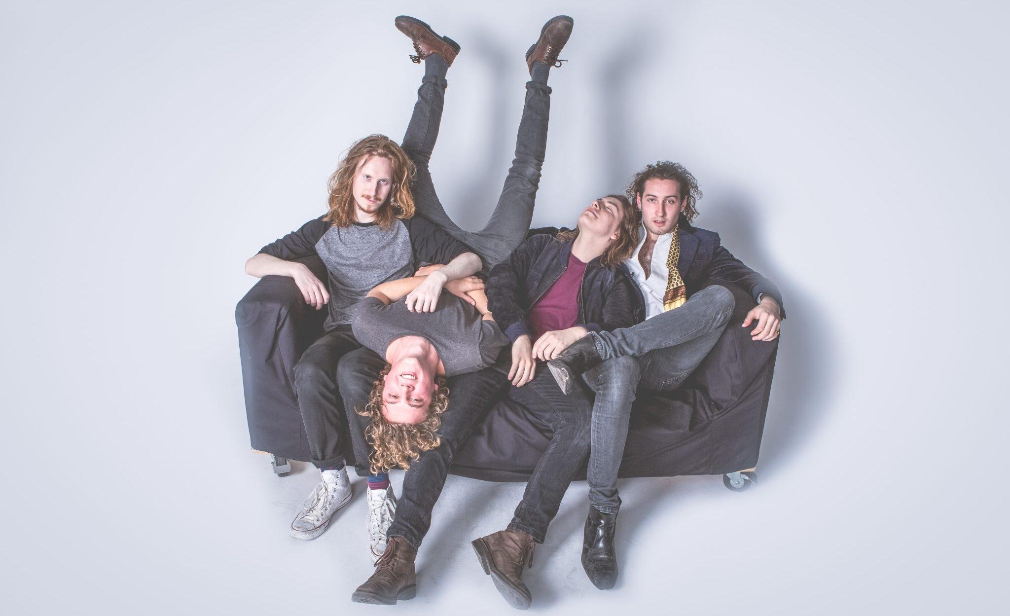 new music alert-lost-by-sea girls-indie rock-indie-indie music-new music-music blog-indie blog-wolf in a suit-wolfinasuit