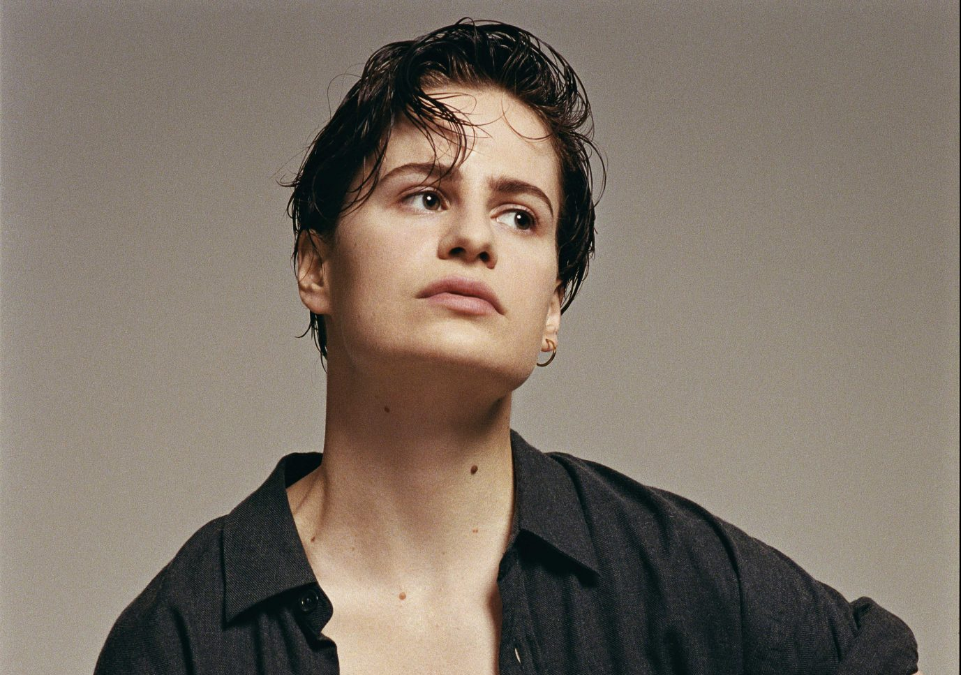 christine and the queens-new music alert-doesn't matter-by-christine and the queens-France-indie music-new music-indie pop-music blog-indie blog-wolf in a suit-wolfinasuit-wolf in a suit blog-wolf in a suit music blog