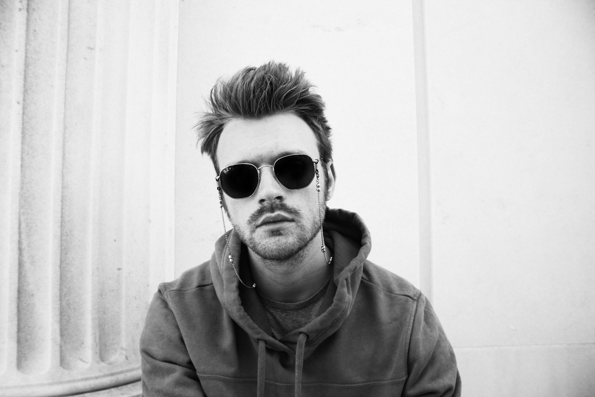 listen - college - by - finneas - indie music - indie pop - new music - music blog - indie blog - wolf in a suit - wolfinasuit - wolf in a suit blog - wolf in a suit music blog