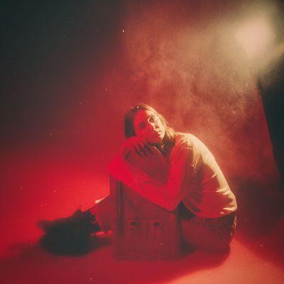 linn koch emmery - sweden - indie - indie music - indie pop - indie rock - indie folk - new music - music blog - wolf in a suit - wolfinasuit - wolf in a suit blog - wolf in a suit music blog
