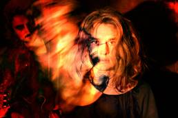 behind the borders - rowann - netherlands - indie - indie music - indie pop - indie rock - indie folk - new music - music blog - wolf in a suit - wolfinasuit - wolf in a suit blog - wolf in a suit music blog