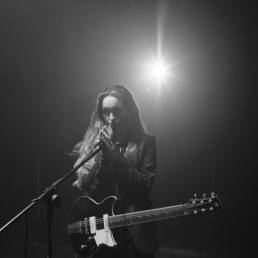get me - amber t - UK - indie - indie music - indie pop - indie rock - indie folk - new music - music blog - wolf in a suit - wolfinasuit - wolf in a suit blog - wolf in a suit music blog